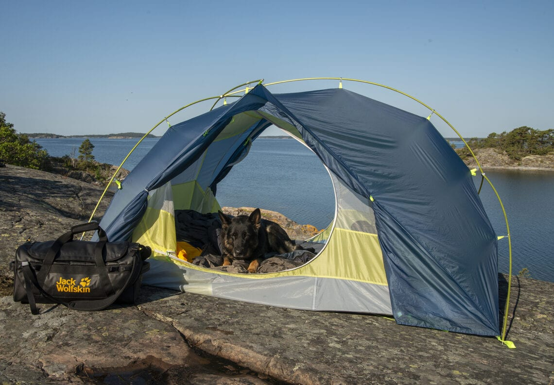 Jack Wolfskin Exolight III camping with dogs