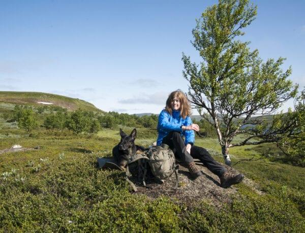 Wilda vandrar med Flexie i Tänndalen