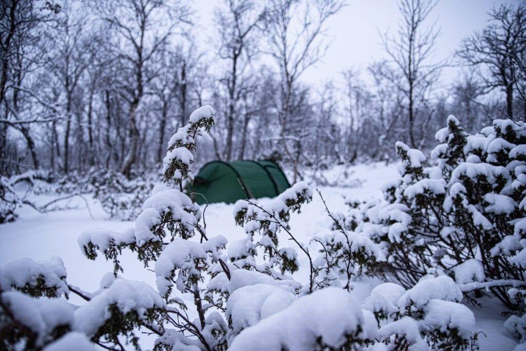 Tälta i snön