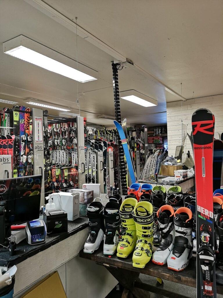 Skiduthyrning i Hamra Sportshop
