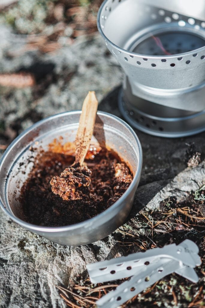 Strövargodis med kakao på stormkök
