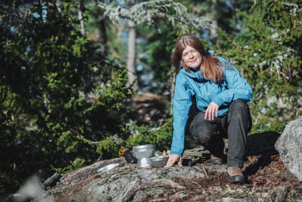 Vandring och stormkök i skogen