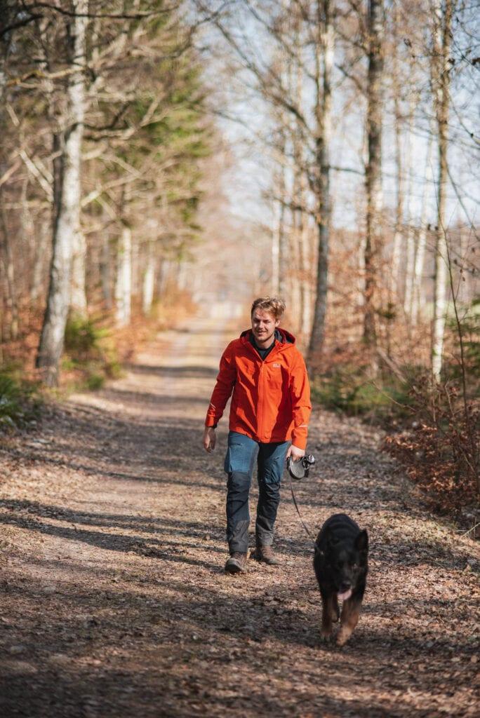 Vandra med hund på Biskops Arnö