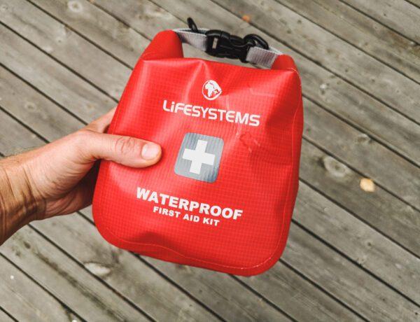 Första hjälpen kit vattentätt från Lifesystems