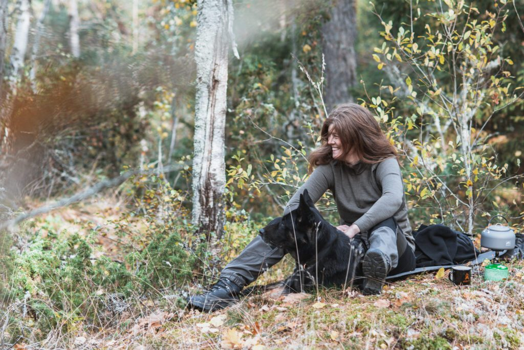 Wilda Nilsson vandring i skogen