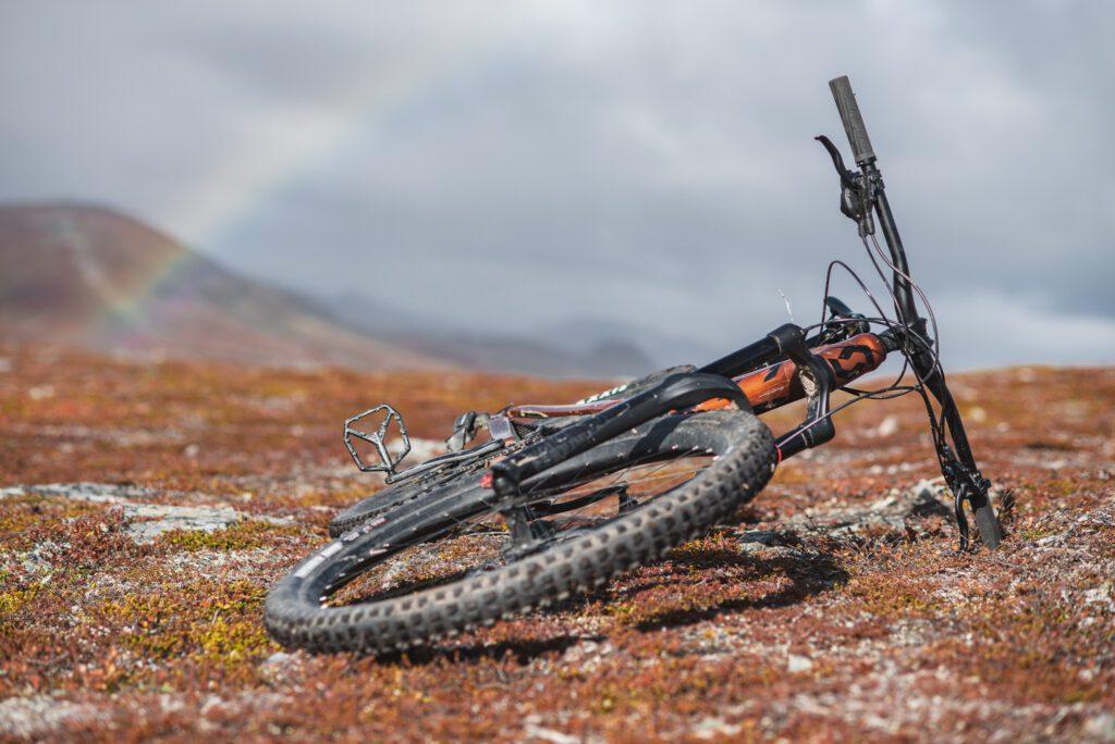 Köpa mountainbike från Bikester